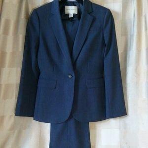 Banana Republic navy blue wool pant suit size 6 P